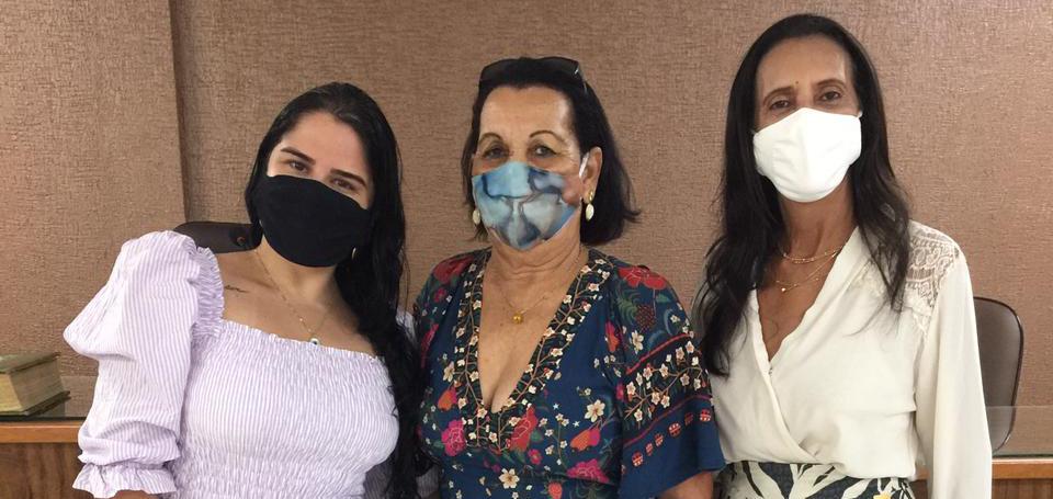 Vereadoras Maine Brito, Célia Rodrigues e Carminha do Forum